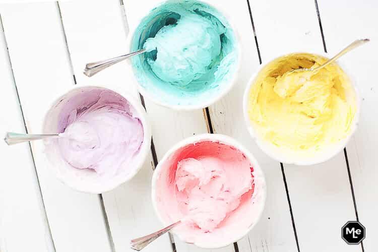 Ijs recept - Zelf roomijsjes maken in verschillende kleuren