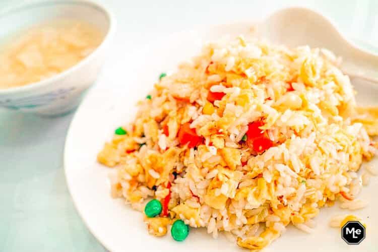 opgebakken rijst met groente