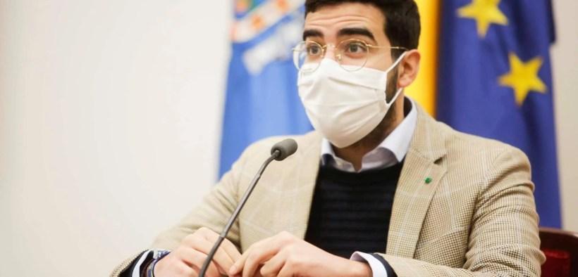 Mohamed Mohand da una rueda de prensa