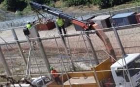 instalación de los peines invertidos en la valla de Melilla
