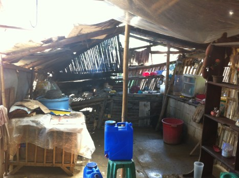 houses damaged by typhoon yolanda