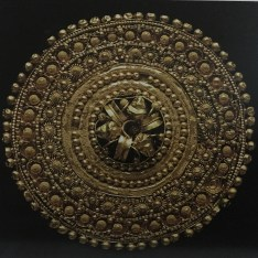 """A stunning piece of Etruscan jewellery from the book """"Civilisation: Ancient Treasures of the British Museum""""."""