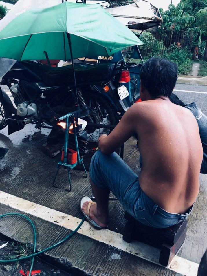 men work in the rain (1)