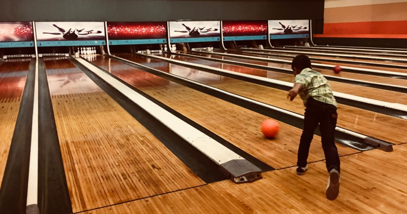 ten pin bowling with jerry