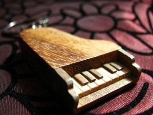 macro piano keychain_IMG_5810