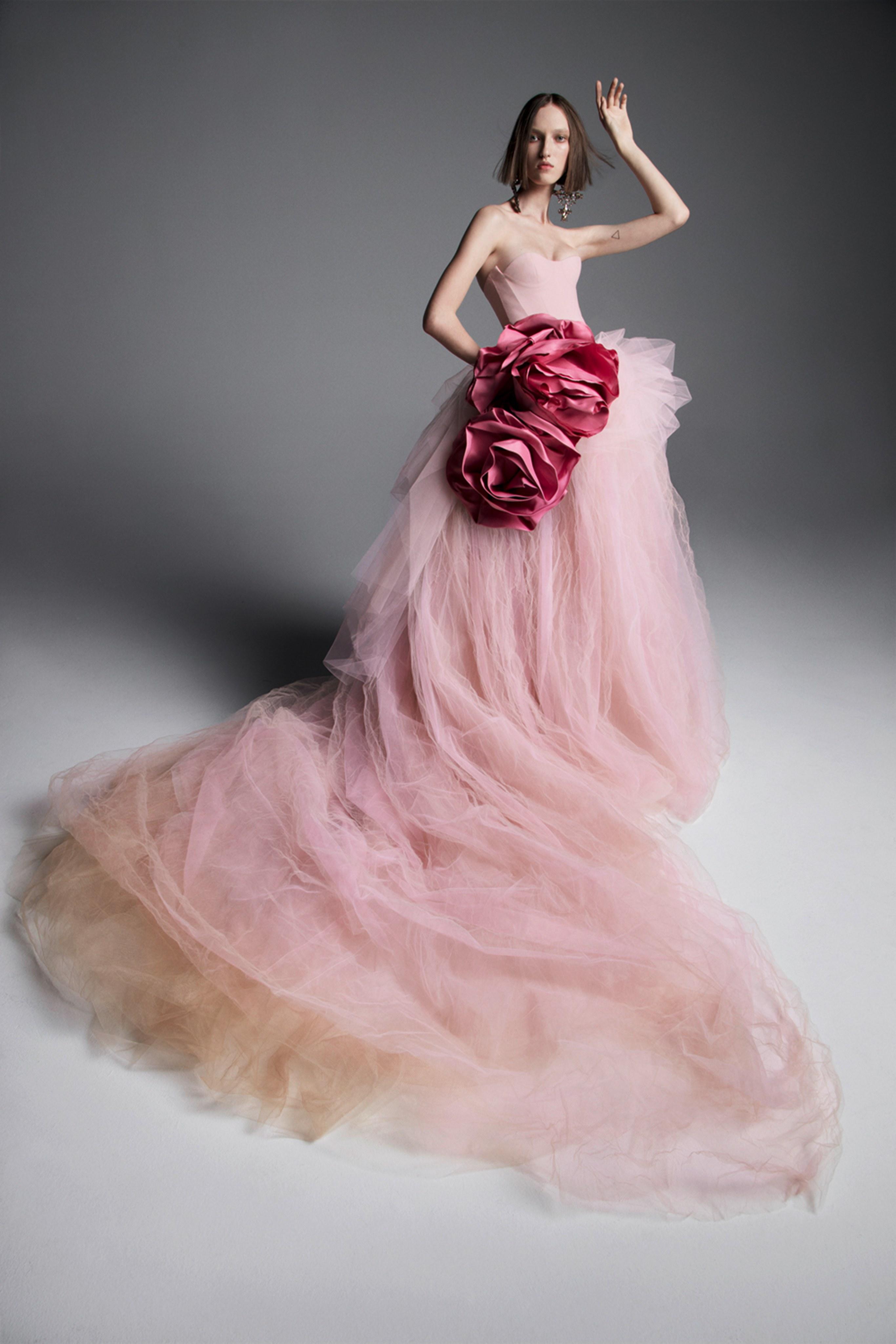 Vestidos de novia Vera Wang 2019: ¿Te animas a ir de color?