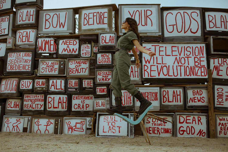 Tv Wall East Jesus