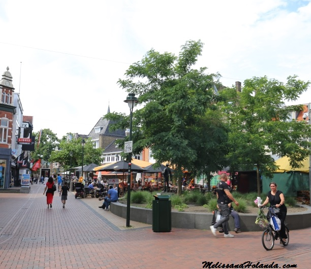 Rua em Hilversum