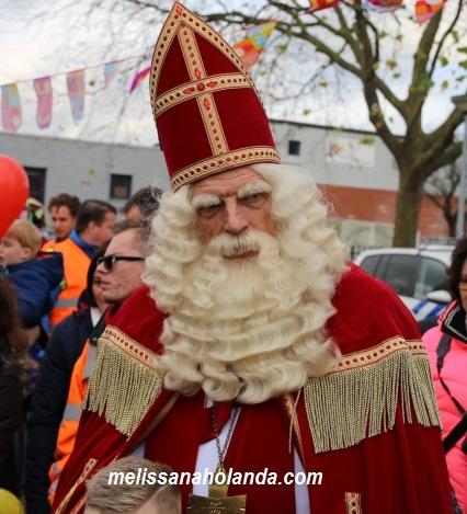Como explicar as diferenças entre Sinterklaas e Papai Noel?