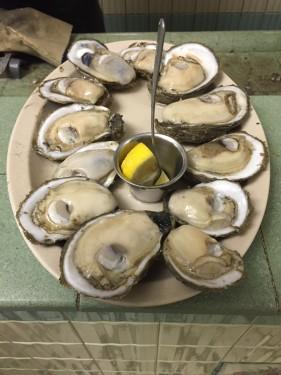 Dozen oysters at Casamentos