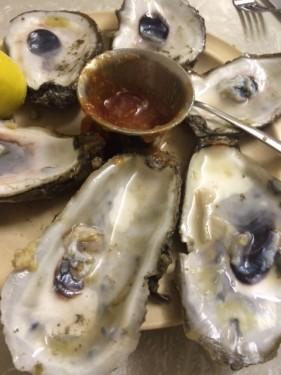 Half dozen oysters eaten at Casamentos