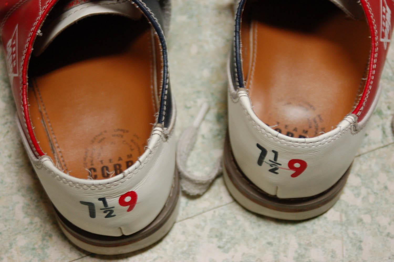 bowlingshoes2.jpg
