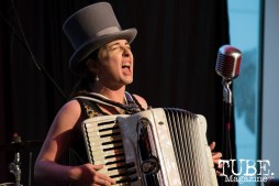 Julie The Bruce singing and playing the accordion at ArtMix Vaudeville at the Crocker in Sacramento, Ca. March 2016. Photo Alejandro Montaño