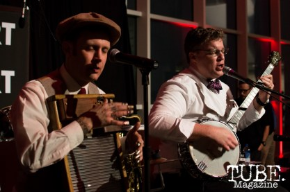 The FreeBadge Serenaders playing at ArtMix Vaudeville at the Crocker in Sacramento, Ca. March 2016. Photo Alejandro Montaño