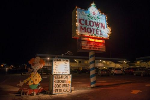 bodie-mono-lake-clown-motel-119