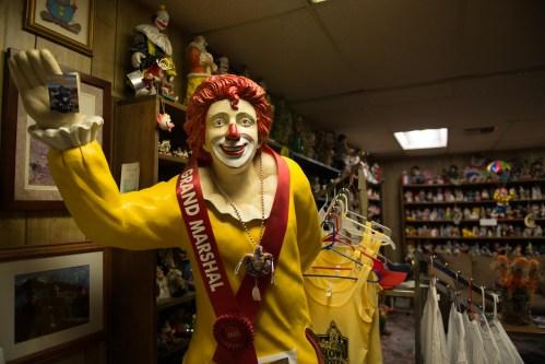 bodie-mono-lake-clown-motel-121
