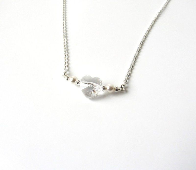 GN13-sterling silver necklace with heart crystal and pearl accents