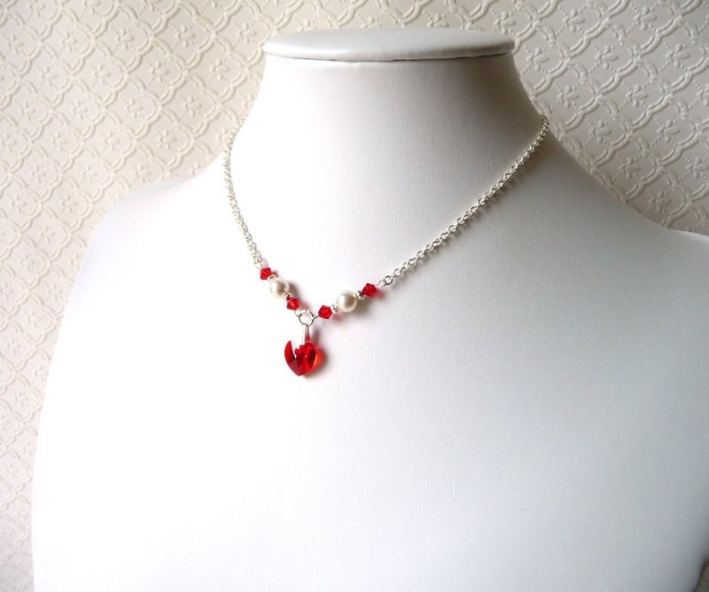 -girls-pearl and red crystal heart necklace