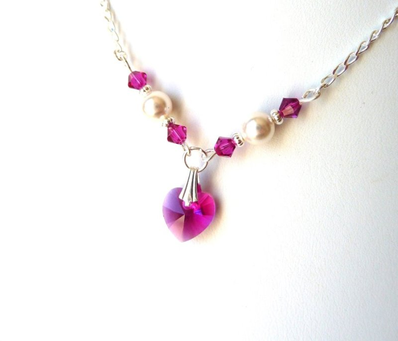 -GIRLS-pearl and fuchsia crystal heart necklace
