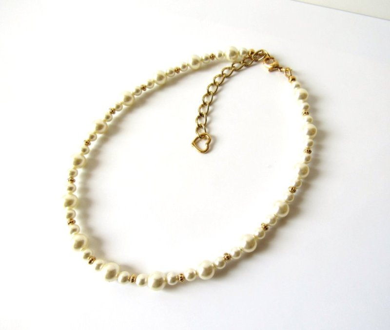 -little-girl-pearl-necklace-gold