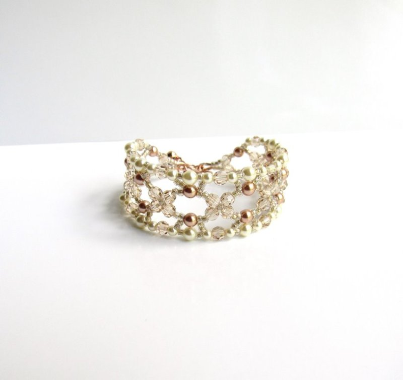 -rose gold champagne and ivory pearl beaded bracelet