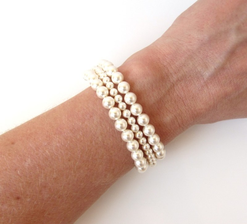 WB4-3 strand pearl bracelet