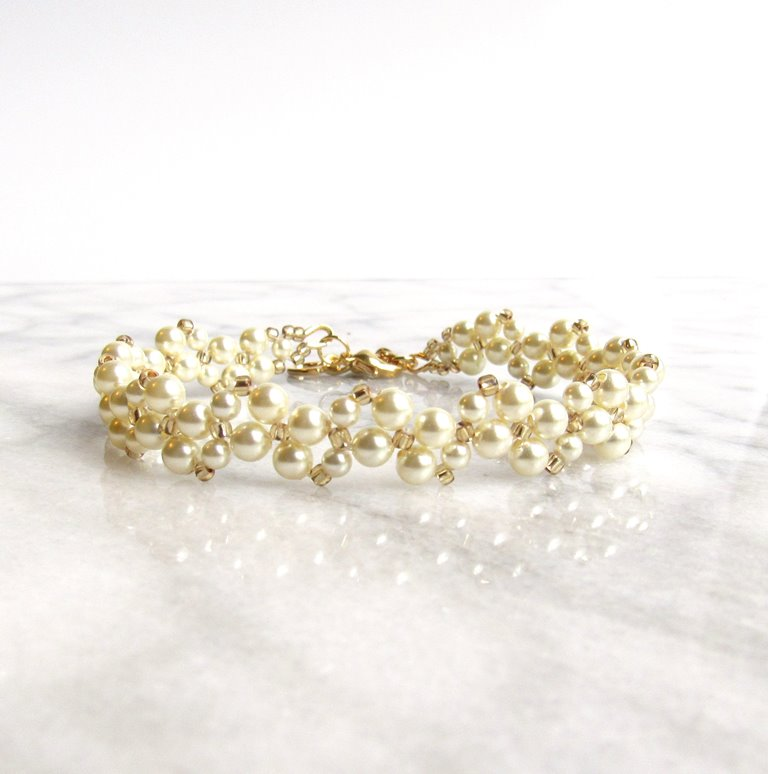 WB8-pearl and gold beaded vine bracelet