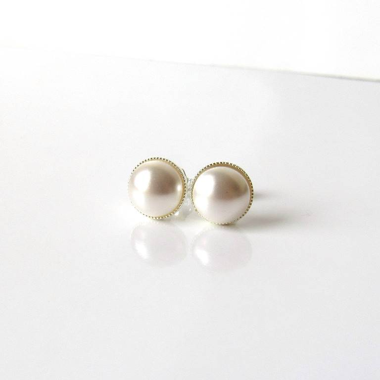 WE14-Pearl stud earrings 8mm