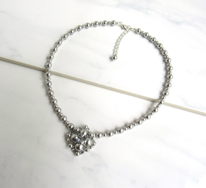 -silver beaded v shape necklace