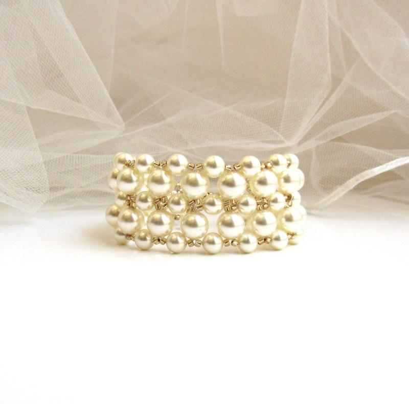 WB24- chunky pearl bracelet for wedding