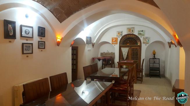 cafe-art-house-inside