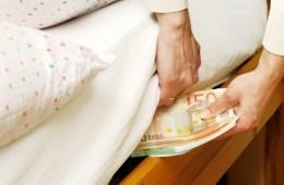 seyahat ederken para saklamak