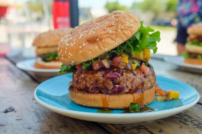 istanbulda vegan kafeler vegan burger