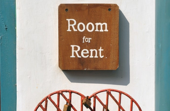 Make Money on Airbnb by renting out your house