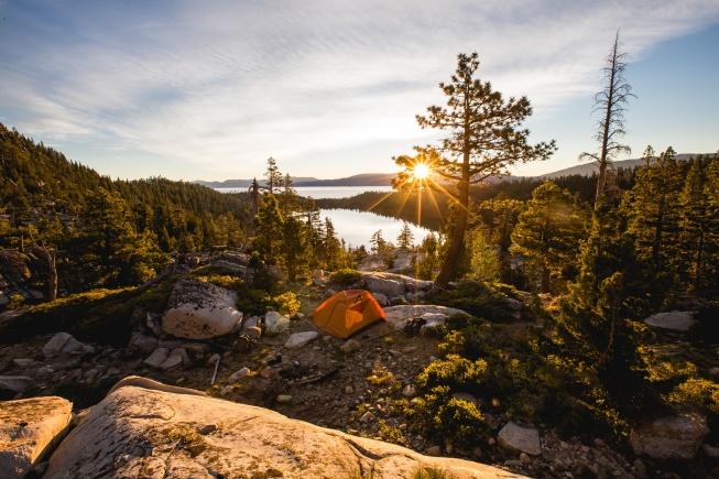 Sonbahar için kamp malzemesi
