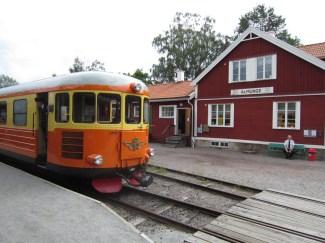 2012-08-01, Lennakatten i Almunge (Rälsbuss)