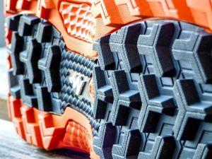 Semelle chaussure de randonnée crampons