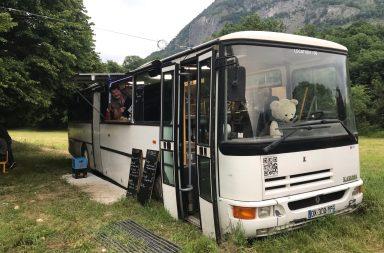 Monter dans le bus de Rock'Eup