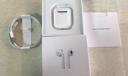 Genuine Apple Airpods 2nd gen with original charging case and USB used