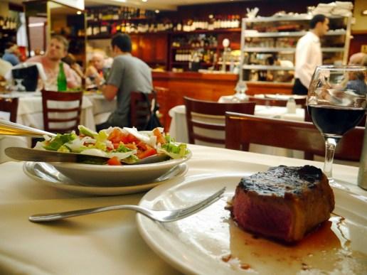 """Un """"biffe de chorizo"""" au Rodi Bar"""