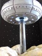 UFO cake bottom with lights