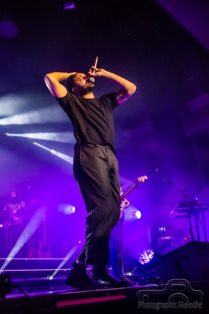 Young the Giant with Lights Make Musical Magic