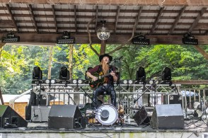 Jaik Willis delivered a phenomenal solo set at Good People Good Times Music Festival in Nashville, Indiana on Friday, September 24, 2021. Photo cred Melodie Yvonne