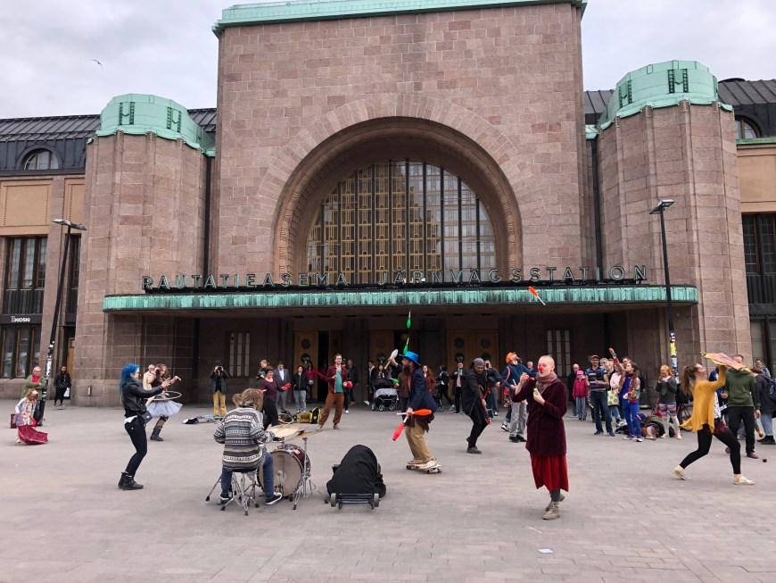 estación central de helsinki entrada lateral