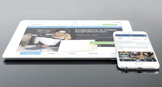 24 hour callout - image of a tablet and phone showing the same website