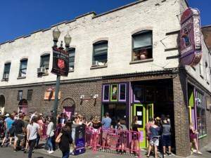 best coffee cities in the United States_Portland_voodoo doughnut