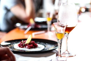 coffee-food-pairing-dinner-experience-seafood-dish-and-glass
