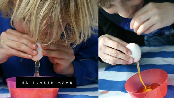 """Stap-2.-Thema-Pasen-2017-DIY-Pinterest-Paaseieren-marble-marmer-schilderen-met-nagellak. ei leegblazen"""