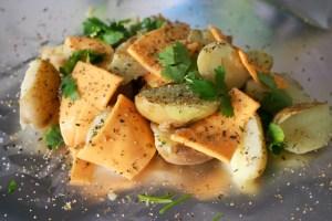 """BBQ recept - Krieltjes doormidden gesneden met cheddar kaas knoflook en koriander - mels feestje en feest hapjes"""""""