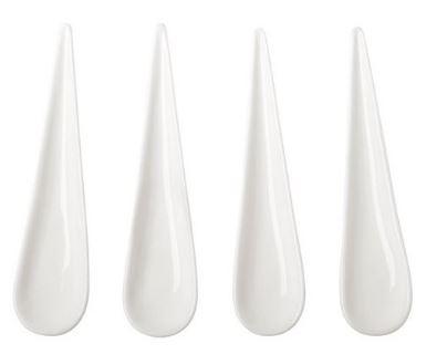 De witte traanvormige Amuselepels. Ik vind deze zo schattig met een bitterbal! Je kan los op je amuselepel de bitterbal doen en daarbij een beetje saus. Heb je je eigen dip bakje.